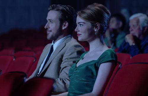 ミアがセバスチャンと映画館デートした時のドレス