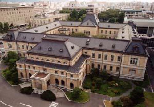 菊とギロチンロケ地『京都府庁旧本館』