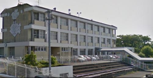 志乃ちゃんは自分の名前が言えない『長井崎中学校』