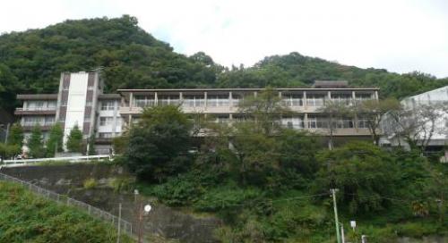 志乃ちゃんは自分の名前が言えないロケ地『旧静浦中学校』