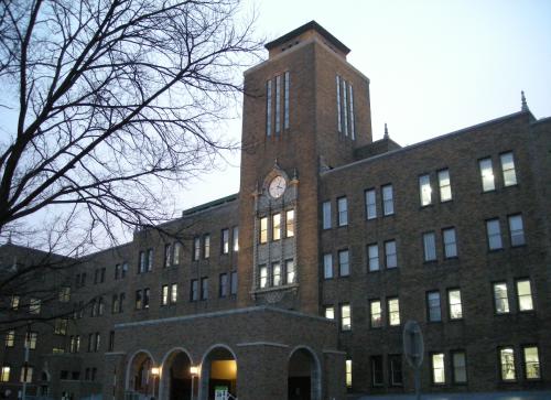 こんな夜更けにバナナかよロケ地『北海道大学』