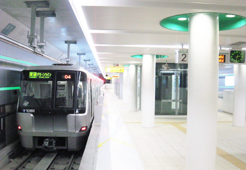 パラレルワールド・ラブストーリーロケ地『横浜市営地下鉄中山駅』