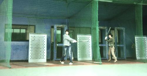 パンとスープとネコ日和ロケ地『アキコとしまちゃんが行ったバッティングセンターは世田谷スポーツプラザ』