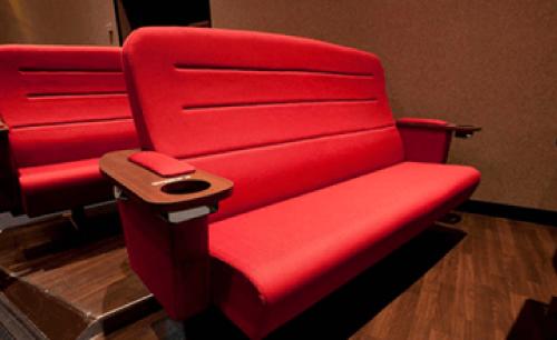 シネマイクスピアリのカップルシート